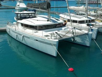 Charter catamaran Lagoon 450 Sport in Sao Vicente city - Sao Vicente