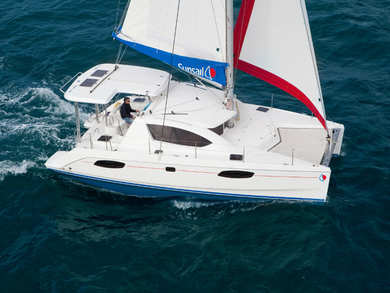 Hire catamaran Sunsail 404 in Road Town - Tortola