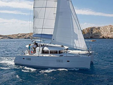 Hire catamaran Lagoon 400 in Palma de Mallorca - Majorca (Balearic Islands)