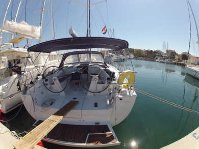 Charter sailboat Hanse 445 in  - Istria
