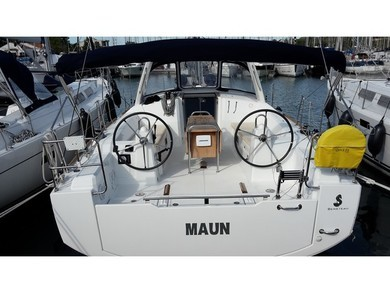 Rental sailboat Oceanis 38 in  - Istria