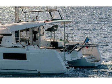 Charter catamaran Lagoon 40 (4 cab) in  - Majorca (Balearic Islands)