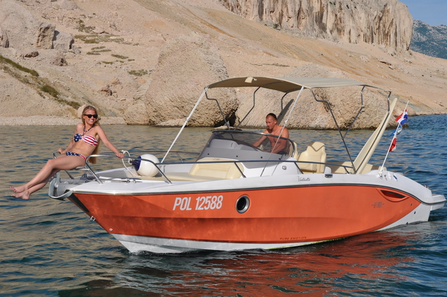 Rental motorboat Sessa Key Largo 27 in Split city - Split