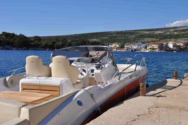 Rental motorboat Sessa Key Largo 27 in Split - Split