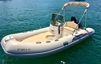 Rental motorboat Capelli Tempest 470 in Andratx - Majorca (Balearic Islands)