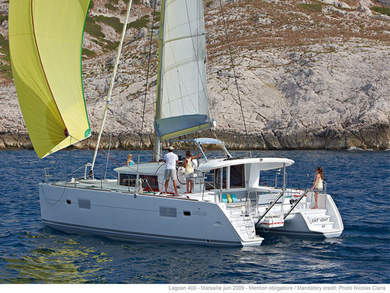 Hire catamaran Lagoon 400 S2 in Palma de Mallorca - Majorca (Balearic Islands)