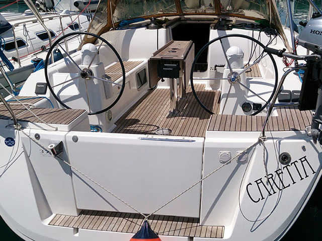 Hire sailboat Dufour 375 in Pula - Istria