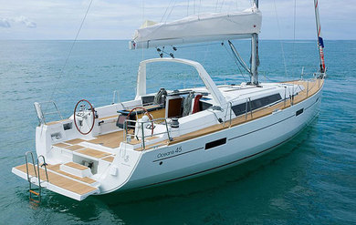 Hire sailboat Oceanis 45 in Portisco - Olbia-Tempio (Sardinia)