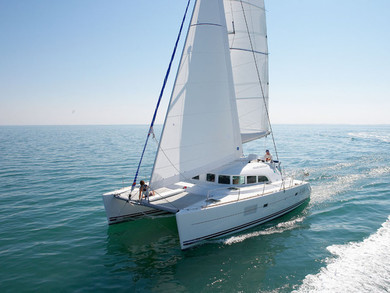 Charter catamaran Lagoon 380 in Furnari - Messina