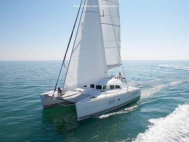 Rental catamaran Lagoon 380 in Furnari - Messina
