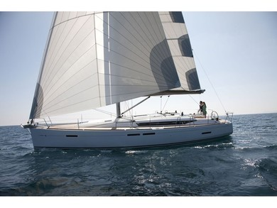 Hire sailboat JEANNEAU SO 439 in Sant Antoni de Portmany - Ibiza (Balearic Islands)