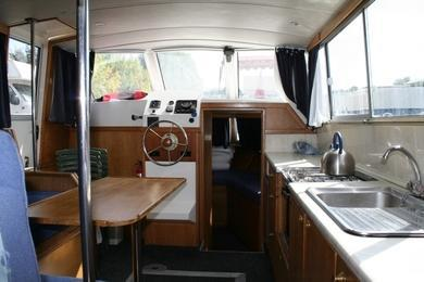 Hire motorboat Viking 1000 in Vermenton - Yonne