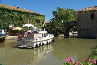 Hire motorboat Linssen 30.9AC in Capestang - Hérault