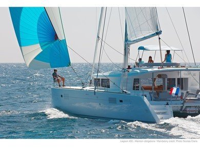 Hire catamaran Lagoon 450 in St. George city - St George