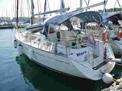 Hire sailboat Sun Odyssey 35.3 in Pula - Istria