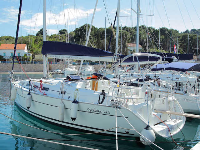 Charter sailboat Beneteau Cyclades 39.3 in  - Split