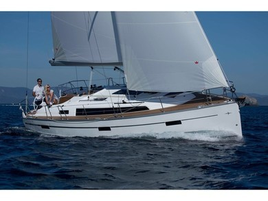 Hire sailboat Bavaria 37 in  - Azores