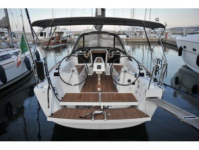 Charter sailboat Dufour 350 GL in Portisco - Olbia-Tempio (Cerdeña)