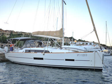 Rental sailboat Dufour 382 in Portisco - Olbia-Tempio (Sardinia)
