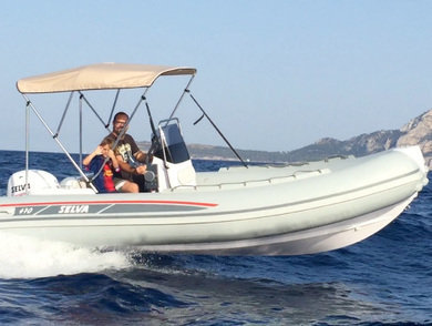 Hire motorboat Selva 470 in Port de Alcudia - Majorca (Balearic Islands)