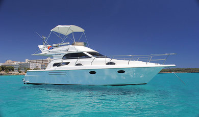Hire motorboat Garin 38 Fly in Porto Cristo - Majorca (Balearic Islands)