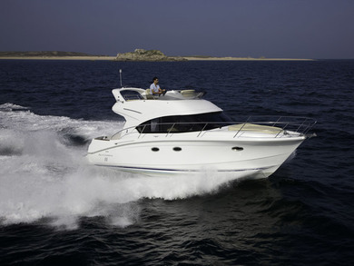 Charter exclusive yacht Beneteau Antares 36 in  -