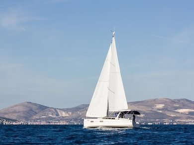 Charter sailboat Beneteau Oceanis 38.1 in Split city - Split