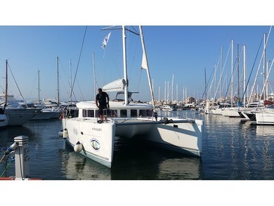 Rental catamaran Lagoon 400 in  - Majorca (Balearic Islands)