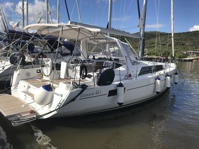 Charter sailboat Oceanis 41.1 in Portisco - Olbia-Tempio (Cerdeña)
