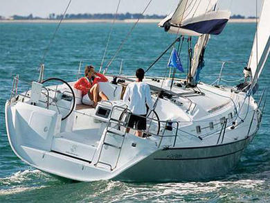 Charter sailboat Cyclades 39 in Palma de Mallorca - Majorca (Balearic Islands)