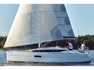 Hire sailboat Sun Odyssey 319 in Pula - Istria