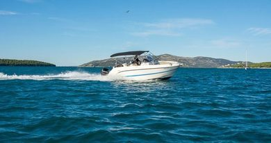 Hire motorboat Quicksilver Activ 805 in Trogir - Split
