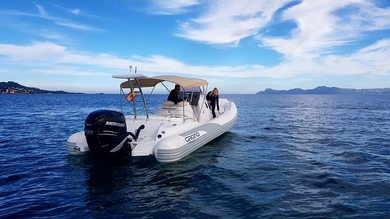Rental motorboat Grand 850 in Port de Alcudia - Majorca (Balearic Islands)