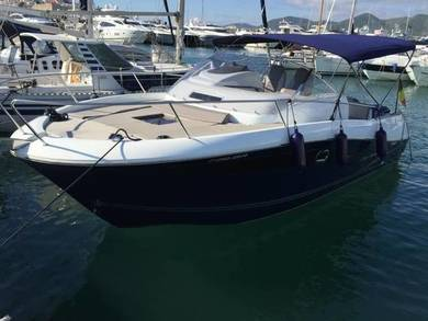 Hire motorboat Cap Camarat 8.5 WA in Ibiza city - Ibiza (Balearic Islands)