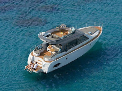 Hire motorboat Bavaria E40 FLY in Seget Donji - Split