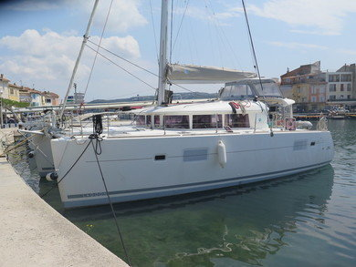 Rental catamaran Lagoon 400 in Olbia city - Olbia-Tempio (Sardinia)