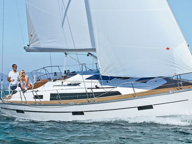 Charter sailboat Bavaria Cruiser 37 in Athens - Attica