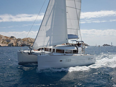 Hire catamaran Lagoon 400 6 in Phuket city - Phuket