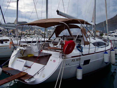 Hire sailboat Elan 45 Impression in Port de Pollensa - Majorca (Balearic Islands)