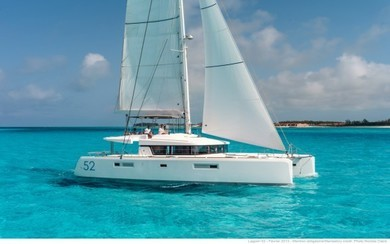 Hire catamaran Lagoon 52 F in Olbia city - Olbia-Tempio (Sardinia)