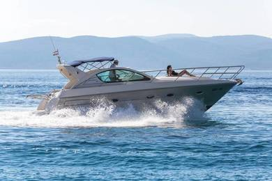 Hire motorboat Pearlsea Yacht Open 36 in Baska Voda - Split