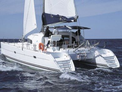 Rental catamaran Lagoon 380 in Portisco - Olbia-Tempio (Sardinia)