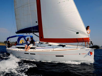 Charter sailboat Sunsail 41 in Dubrovnik city - Dubrovnik-Neretva