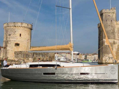 Charter sailboat Dufour 382 Grand Large - 2 cab in Pula - Istria