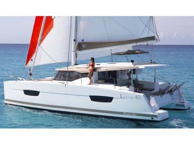Charter catamaran Lucia 40 in Capo d'Orlando - Messina