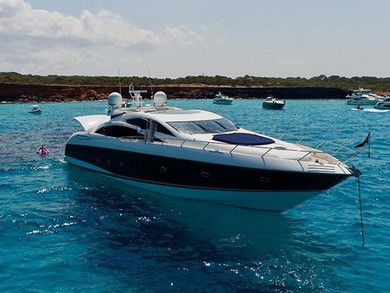 Rental exclusive yacht Predator 82 in Palma de Mallorca - Majorca (Balearic Islands)