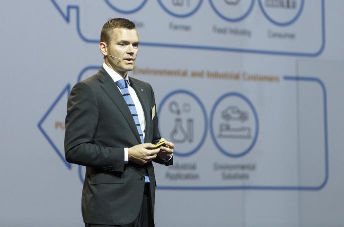 CFO Petter Østbø presenting