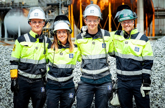 four Yara employees at a plant