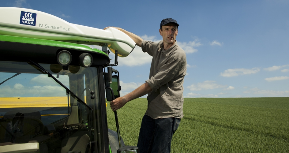 Farmer using N-Sensor