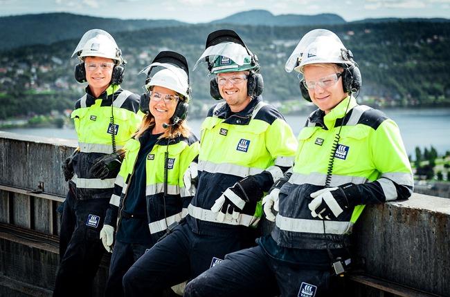 Group of people in Yara's Porsgrunn Plant